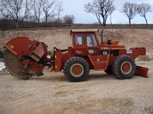 DITCH WITCH RT 185
